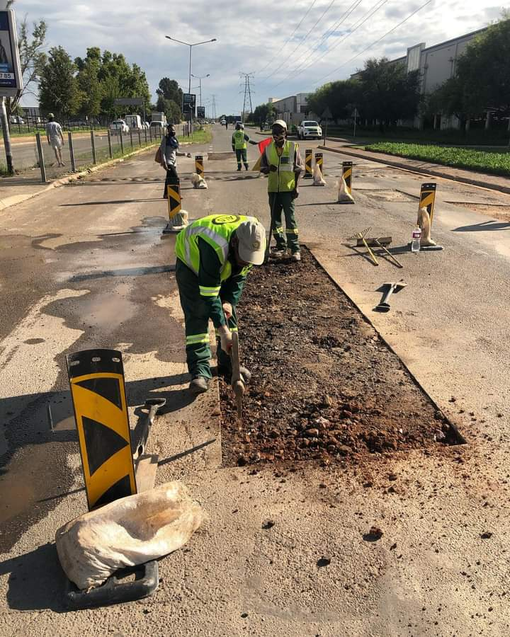 Die ProPotch Pothole-projek wil hoofroetes slaggatvry maak